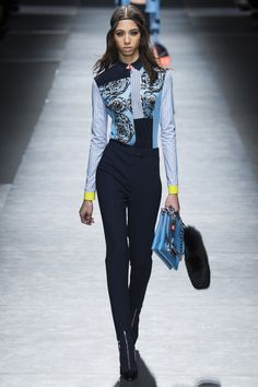 Versace Fall 2016 Ready-to-Wear Fashion Show  http://www.theclosetfeminist.ca/  http://www.vogue.com/fashion-shows/fall-2016-ready-to-wear/versace/slideshow/collection#6