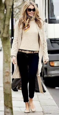Oversize White Sweater and cardigan ,Black cropped pants and flats, perfect casu. Oversize White Sweater and cardigan ,Black cropped pants and flats, perfect casual look! Mode Outfits, Fall Outfits, Casual Outfits, Casual Dresses, Look Fashion, Street Fashion, Fashion Women, Street Chic, Fashion Fall