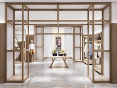 25 Best Interior Design Projects By Yabu Pushelberg Retail Interior Design, Retail Store Design, Boutique Interior, Best Interior Design, Interior Exterior, Commercial Design, Commercial Interiors, Store Concept, Yabu Pushelberg