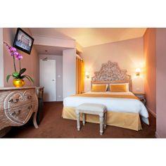 Tète de lit en bois céruse. http://www.deco-prive.com/ #decoration #cérusé #decoprive