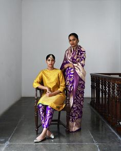 Sanjay Garg Festive 2018 recalls the shared culture of pre-partition Punjab through Heer's bridal festivities. Set against Patiala's… Kurtha Designs, Blouse Designs, Indian Attire, Indian Ethnic Wear, Indian India, Indian Dresses, Indian Outfits, Indian Fashion Modern, Ethnic Fashion