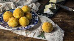 Croquetes de Batata e Queijo Brie.  Potato and Brie Cheese Croquettes.