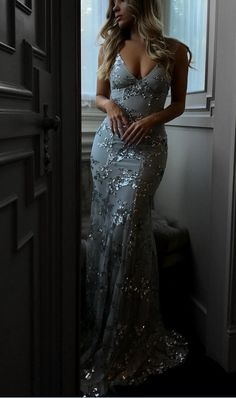 Sexy V-neck Tulle Long Mermaid Prom Dresses c8a33c5cb9ca