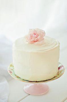 r o s e cake