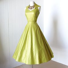 beautiful CHARTREUSE GOLD stand-up collar full skirt pin-up bombshell halter dress Vintage Fashion 1950s, Fifties Fashion, Vintage 1950s Dresses, Mode Vintage, Retro Fashion, Vintage Outfits, Vintage Clothing, Beautiful Gowns, Beautiful Outfits