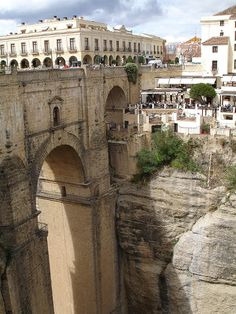 The clifftop town of Ronda lies in the Spanish province of Malaga and is divided by a 100-meter deep canyon known as 'El Tajo', separating the old town from the new. As a result, many of the buildings sit perilously on the edge of the abyss.