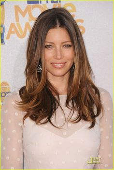 Jessica-Biel-2010-MTV-Movie-Awards-actresses-12845698-820-1222