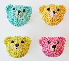 Adorable little bear brooches made by Dada's Place using this pattern.  Pretty amazing!