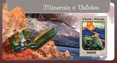 ST16401b Minerals and volcanoes (Mauna Loa, Hawaii USA, Gormanite)