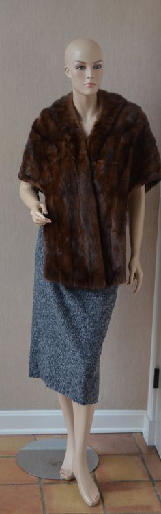 Glam Glossy Soft Brown Mink Stole  Fur Wrap Blue Floral Silk Lining Can Be Worn 2 Ways by luvkitsch on Etsy Mink Stole, Vintage Fur, Vintage Clothing, Vintage Outfits, Fur Wrap, Mink Fur, Fur Coats, Furs, Fur Collar Coat
