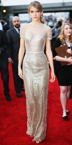 Taylor Swift is stunning on the red carpet,Grammy Awards 2014