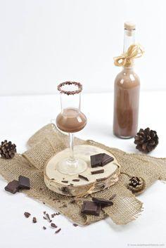 Selbst gemachter Schokolikör, dem niemand widerstehen kann, als selbst gemachtes Weihnachtsgeschenk von Sweets and Lifestyle