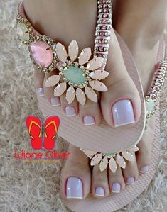 Fashion Slippers, Fashion Shoes, Yarn Crafts For Kids, Bridal Flip Flops, Feet Nails, Beautiful Toes, Decorated Shoes, Evening Sandals, Hype Shoes