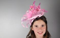 Fascinators are fun to wear but making a DIY fascinator using dollar store supplies is a great activity to make by yourself for a party (or royal wedding), for a child's tea party or even for a girls night craft activity. Girls Tea Party, Tea Party Theme, Tea Party Birthday, Tea Parties, 60th Birthday, Tea Party Crafts, Hat Crafts, Girls Night Crafts, Diy Crafts For Girls
