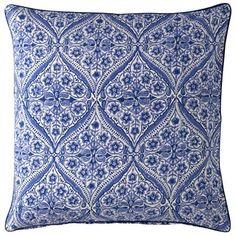Kissen aus Baumwolle mit Inlet (Daunen)  Hand block-printed  Größe: 50x50  Farbe: Kumari Blue (blau)  Material: 100% Baumwolle  Pflegehinweis: 30 Grad Maschinenwäsche
