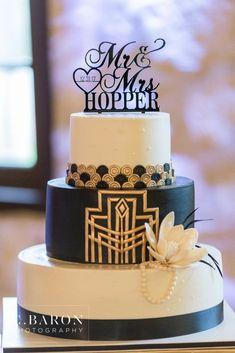 1920s Wedding Cake, Gatsby Wedding Decorations, Roaring 20s Wedding, Themed Wedding Cakes, Fall Wedding Cakes, Art Deco Wedding, Themed Cakes, Great Gatsby Cake, Great Gatsby Wedding