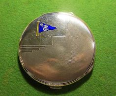 1938-SHIPPING-LINE-YACHT-CLUB-LADIES-SILVER-COMPACT-ENAMELED-FLAG-OF-A-SEA