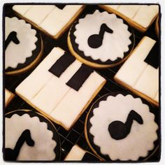 http://www.etsy.com/listing/125298291/music-cookies-music-notes-piano-cookies