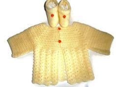 brassière bébé crochet jaune poussin taille naissance/1 mois et ses chaussons assortis fait main les tricots de sylvie sur a little market