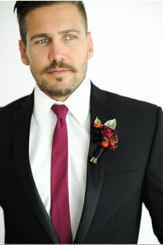 Marsala Tie for the Groom | Pantone Wedding with Marsala | McCune Photography