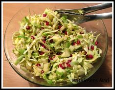 Gurkensalat - www. - New Ideas Salad Recipes, Diet Recipes, Feta Salat, Recipes From Heaven, Fabulous Foods, Side Dishes, Cabbage, Salads, Brunch