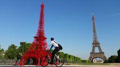 #instantané #nouveauté au lever du soleil il y a toujours 2 tours l'une #Eiffel et l'autre #fermob à #Paris pic.twitter.com/XX7laK69IQ