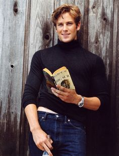 """mancandykings: """"Armie Hammer photographed by Bruce Weber for Vanity Fair """" Armie Hammer, Bruce Weber, Beautiful Boys, Pretty Boys, Beautiful People, The Man From Uncle, Actrices Hollywood, Raining Men, Attractive People"""