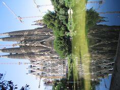 La Sagrada Familia in Barcelona, Spain = so amazing! Someday I will have to go back