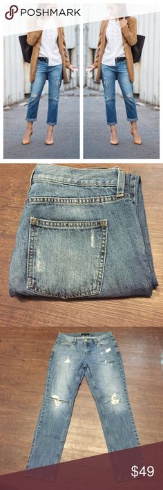 Banana Republic Distressed Boyfriend Jeans Perfect condition boyfriend jeans. No signs of wear. Inseam is 28 inches. Waste laying flat is 15 1/2 inches. Same day or next day shipping. No trades and no holds. 20% off of bundles. Size 27 or 4. Banana Republic Jeans Boyfriend