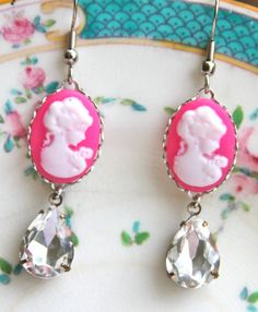 Vintage Hot Pink White Oval Cameo Pear Shape Tear by heathernn1, $26.00