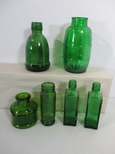 dcde61827f97 Green Glass Bottles Mini Set of 6 Barrel Square Cooking Crafts Essential  Oils