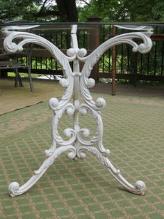fanciful ornate woodard wroughtcast iron patio dining table base great details and curves