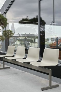 A beam-seating bench from the Pato series, designed for airports and public waiting areas. Optional upholstery possible on the shells, with floor and wall mountings available for the beam. #fredericiafurniture #patobench #patocollection #modernoriginals #craftedtolast