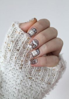 winter sweater inspired nails
