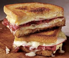 Cheddar, Apple, and Pastrami Grilled Cheese