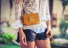 bolsa amarela tiracolo com tricot de oncinha