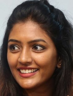 Indian Actress Eesha Rebba Real Face Without Makeup Photos South Indian Actress Hot, Indian Actress Photos, South Actress, Beautiful Indian Actress, Beauty Full Girl, Beauty Women, Perfect Teeth, Woman Face, Girl Face