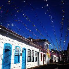Confira no link o que Acontece em Paraty de 12 a 18 de fevereiro, incluindo a programação do Carnaval! http://www.youblisher.com/p/1074752-Acontece-em-Paraty/  #Paraty #cultura #arte #Carnaval #PréCarnaval #samba #música #exposição #fotografia #turismo #PousadaDoCareca