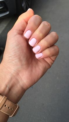 Perfect light pink short nails