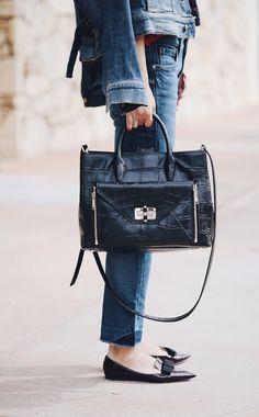 Hallie of Hallie Daily is #SoDVF carrying her #DVFSecretAgent bag. Shop the #DVFSecretAgent: http://on.dvf.com/1QclbJH