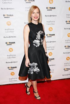 """On the red carpet, the actress Amy Ryan, who plays Michael Keaton's former wife in the night's big winner, """"Birdman,"""" selected a black dress with bold white flowers. (Photo: Cindy Ord/Getty Images) Dress Backs, Dress Up, Michael Keaton, Red Carpet Dresses, Celebs, Celebrities, Beautiful Smile, Red Carpet Fashion, Gotham"""