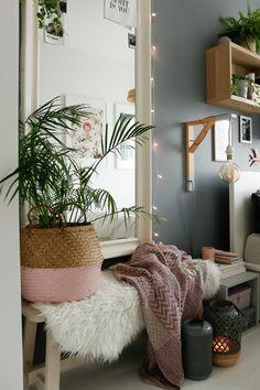 w tym pokoju dbamy o siebie - metamorfoza sypialni - mrspolkadot Ikea Ekby, Home Staging, New Room, Room Inspiration, Shag Rug, Ladder Decor, Furniture, Home Decor, Inspire