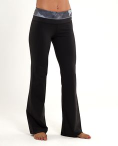 Comfy yoga pants are the BOMB! Athletic Outfits, Athletic Wear, Yoga Pants For Work, Lululemon Pants, Comfy Pants, Maternity Pants, Try On, Workout Pants, Boyfriend Jeans