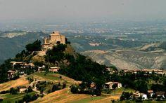 Canossa, matrimonio storia-gastronomia Reggio Emilia, Toscana, Matilda, Paris Skyline, Grand Canyon, Dolores Park, Castle, Italy, Landscape