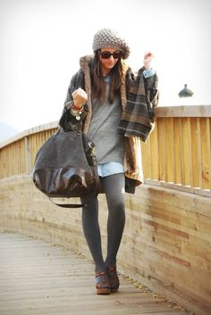 Art Symphony: Layers of Style Black Wedge Boots, Black Wedges, Look Fashion, Womens Fashion, Types Of Girls, Business Fashion, Business Style, Tights Outfit, Autumn Street Style