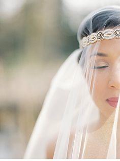 Brauthaarschmuck als Statement von Christie Graham Photography - Hochzeitsguide