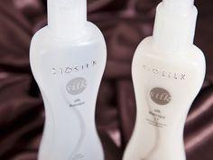 Biosilk Silk Therapy is de enige echte haarverzorgingproductlijn die verrijkt is met natuurlijke zijde en creëert zacht, glanzend en gezond ogend haar.