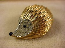 Vintage Couture Elegant Gold Tone Rhinestone Encrusted Cute Hedgehog Pin Brooch