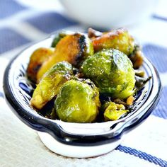 Brussels Sprouts 1 cup water 1 tablespoon olive oil ¼ tsp salt Ground peppercorn to taste 1 garlic clove ½ tablespoon balsamic vinegar 3 tablespoon honey Stuffed Pepper Casserole, Stuffed Peppers, Vegetable Dishes, Vegetable Recipes, Veggie Meals, Vegetable Stew, Sprouts Vegetable, Honey Glaze, Glaze Recipe