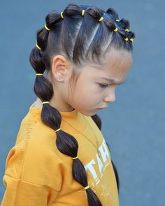 balloon ponytails, yellow rubber bands, braid hairstyles for kids, yellow blouse, blue background kids hairstyles ▷ 1001 + ideas for beautiful and easy little girl hairstyles Easy Little Girl Hairstyles, Baby Girl Hairstyles, Kids Braided Hairstyles, Box Braids Hairstyles, Hairstyle Ideas, Hairstyle For Kids, Style Hairstyle, Children Hairstyles, Cute Little Girl Hairstyles